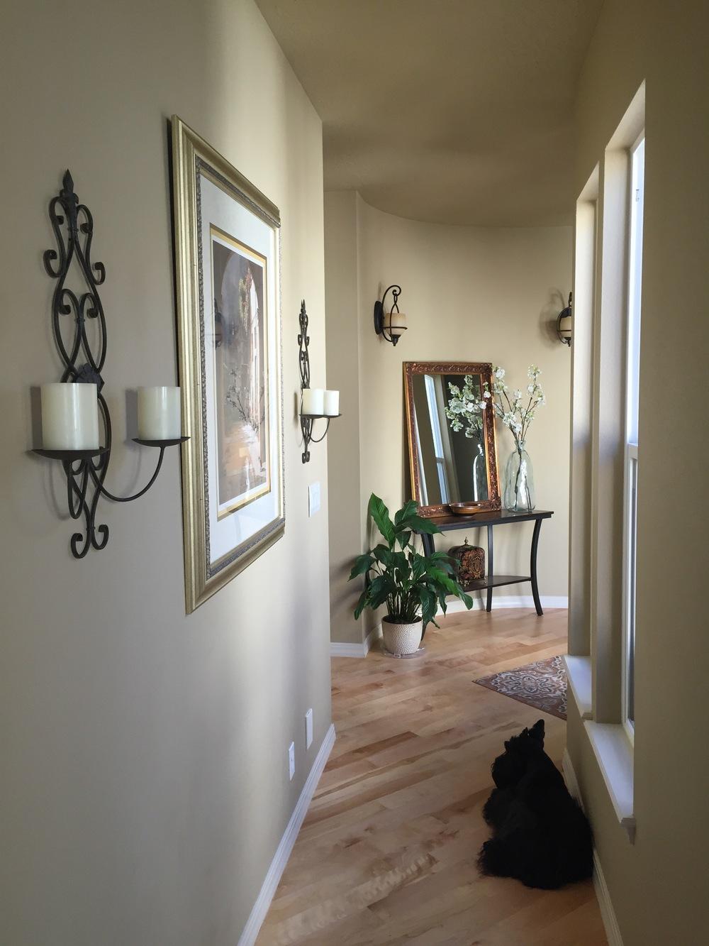 VinSanto Hallway