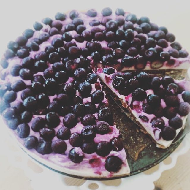 #tbt // throwing back to summer when vegan blueberry lemon cheesecakes were on the menu #healthfoodsnob