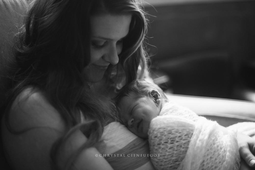 san_diego_newborn_chrystal_cienfuegos-20.jpg