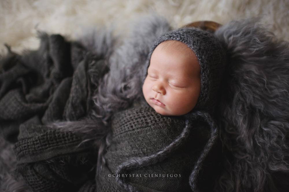 san_diego_newborn_chrystal_cienfuegos-27.jpg