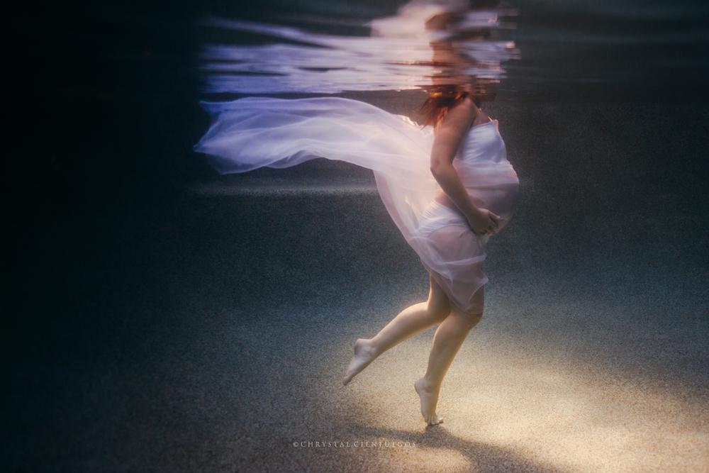 chrystal-cienfuegos_maternity_underwater-4378.jpg