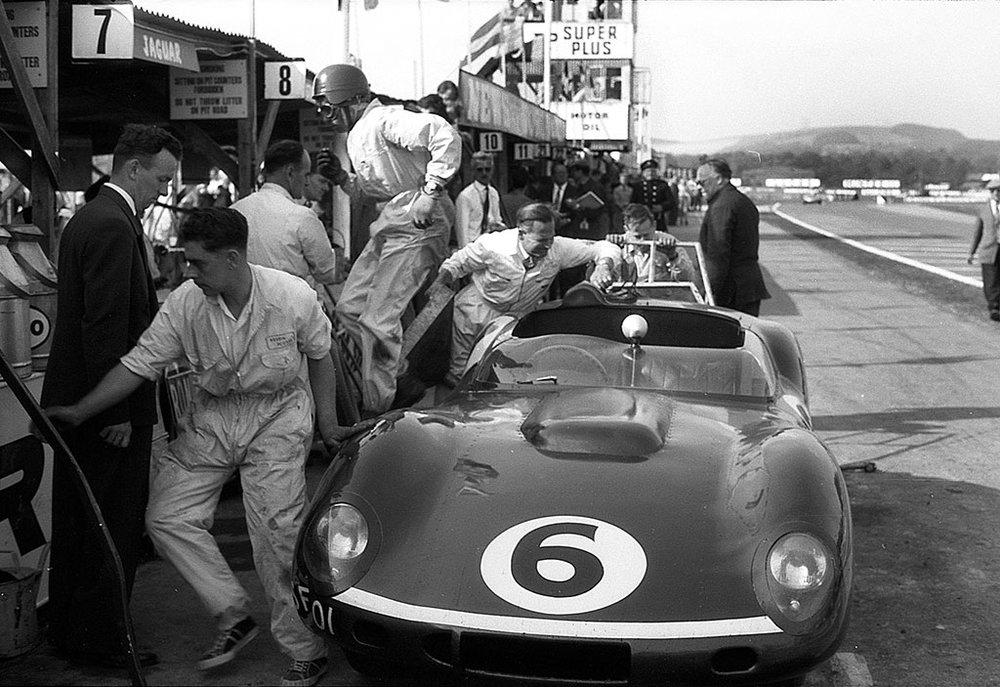 GPL-1959-Jim-Clark-Tojeiro-Jaguar-Pit-Stop-Goodwood-TT.jpg