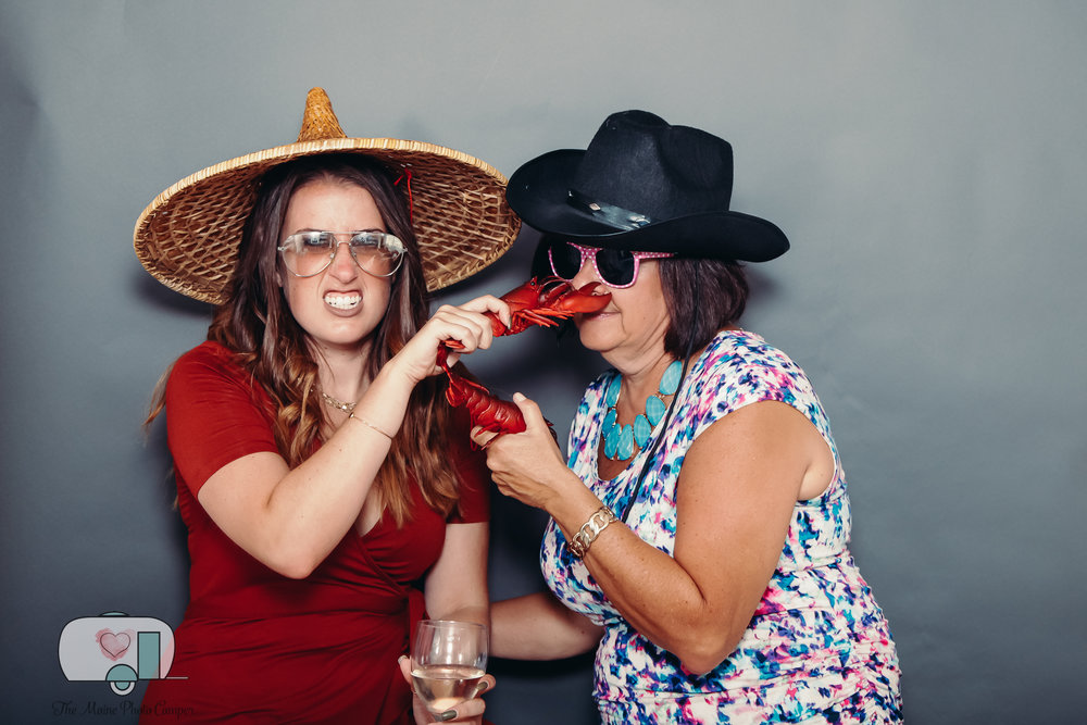 THE MAINE PHOTO CAMPER, MAINE PHOTO BOOTH RENTAL, MAINE TINKER PHOTOGRAPHY, JOSIAS FARM, CAPE NEDDICK WEDDING -2-8.jpg
