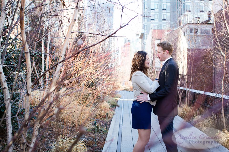 JanicePaul_NYC_Engagement_Wedding_Photos_TheHighLine_ChelseaMarketProofs-40.jpg