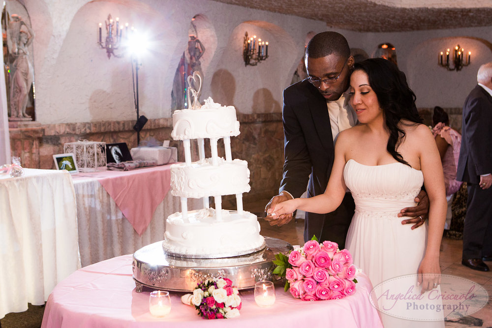 NYC_Wedding_Photographer_Queens_VillaRusso_GuadalupeRoyPlummer-WEB-800.jpg