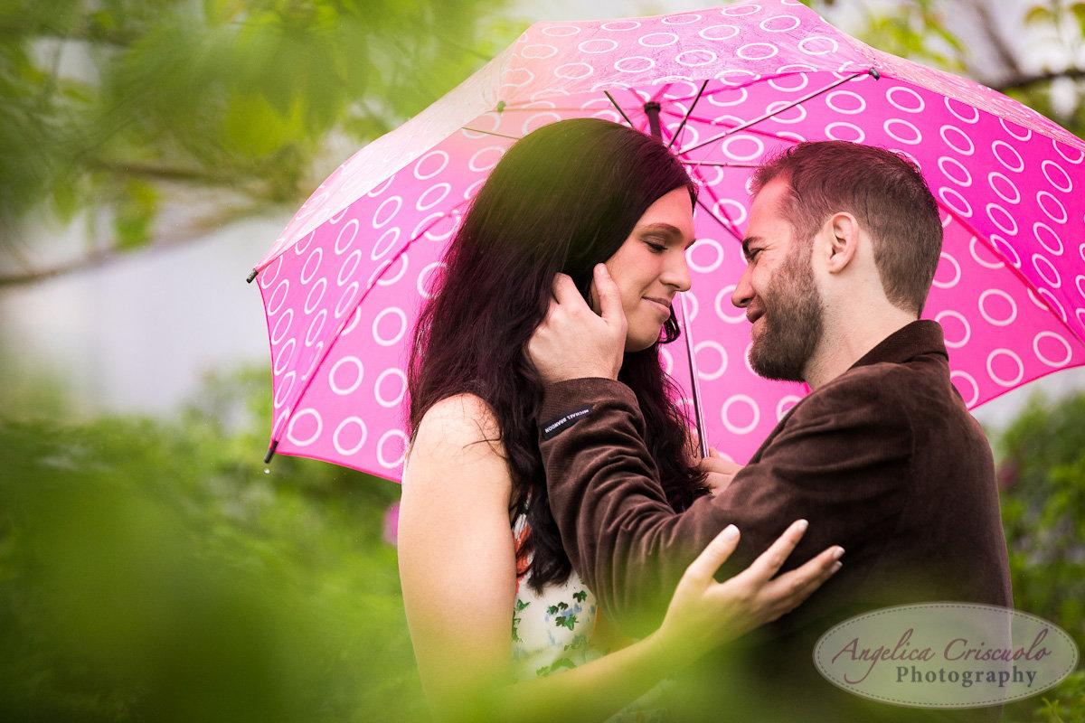 NYC_Engagement_Photography_Brooklyn_Promenade_DUMBO_UniqueFun-RainUmbrellaPhotos--1