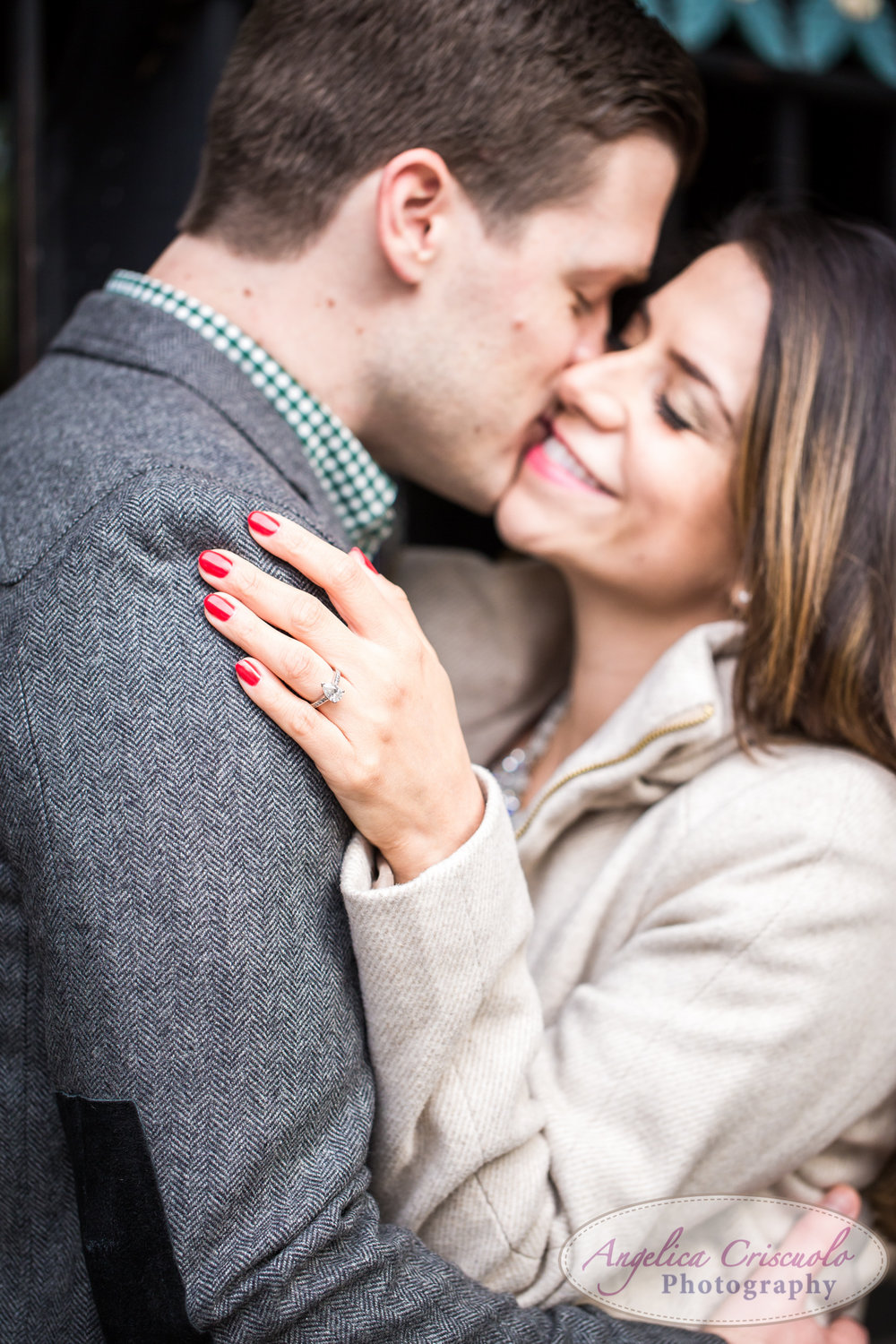 Engagement photo ideas with pear ring shape