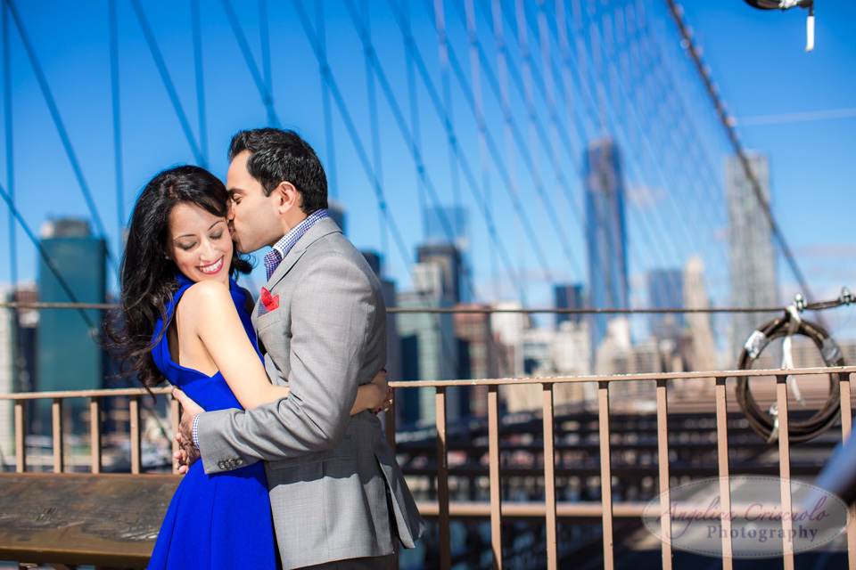 Brooklyn Bridge engagement photo ideas unique and fun