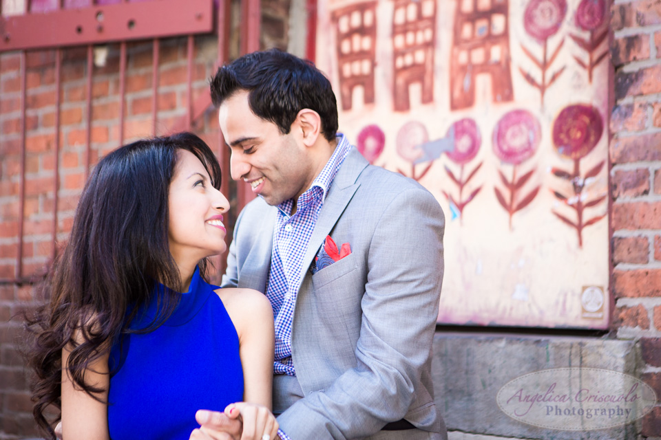 Brooklyn DUMBO engagement photography photo ideas fun