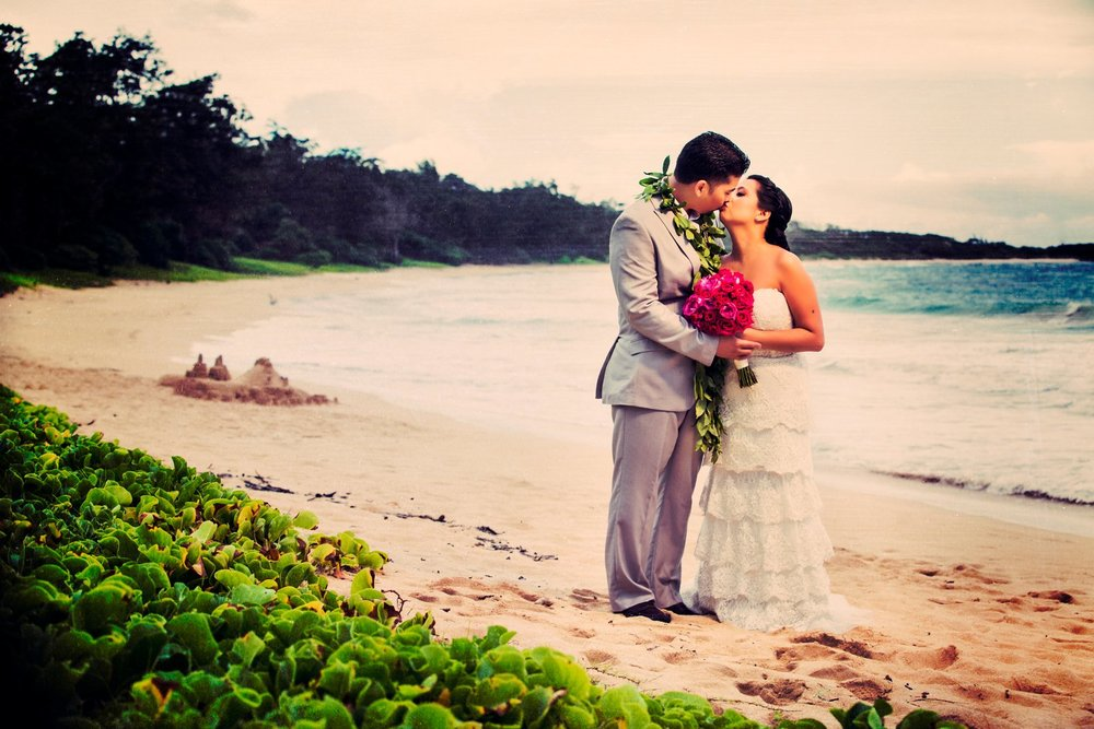 Oahu Hawaii Destination Wedding Photos Beach Sunset