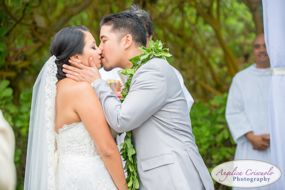 Hawaii_Wedding_Photographer_Oahu_Destination_web-439