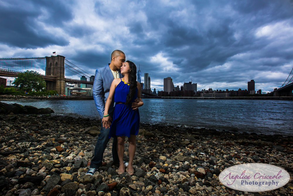 Best Wedding photographers and Engagement photographers in NYC, DUMBO Brooklyn engagement photo ideas