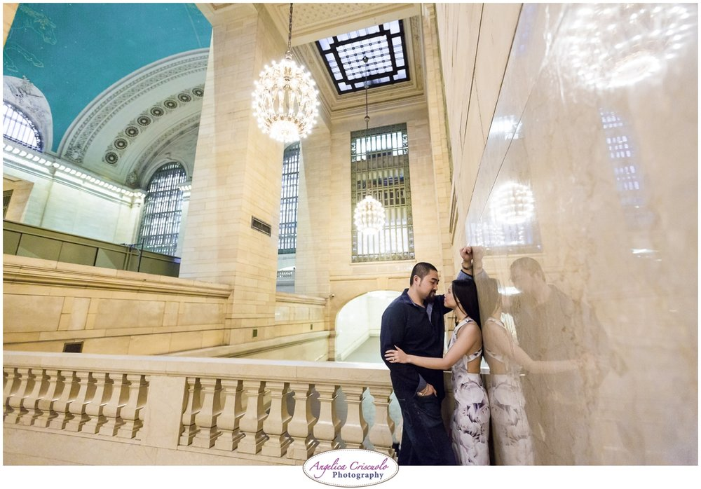 Grand Central Engagement Photographer photo ideas posing
