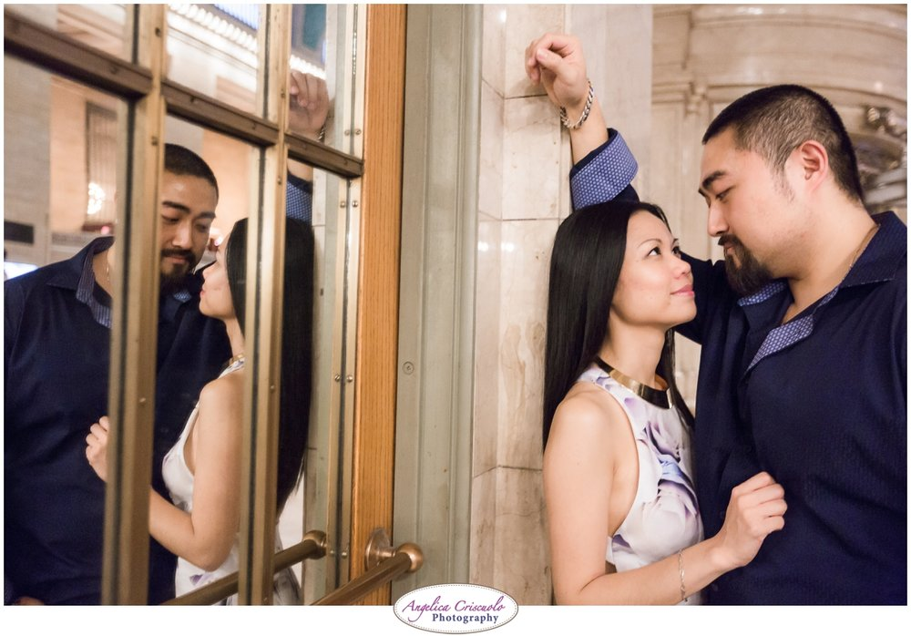 Grand Central Engagement Photographer photo ideas posing mirror