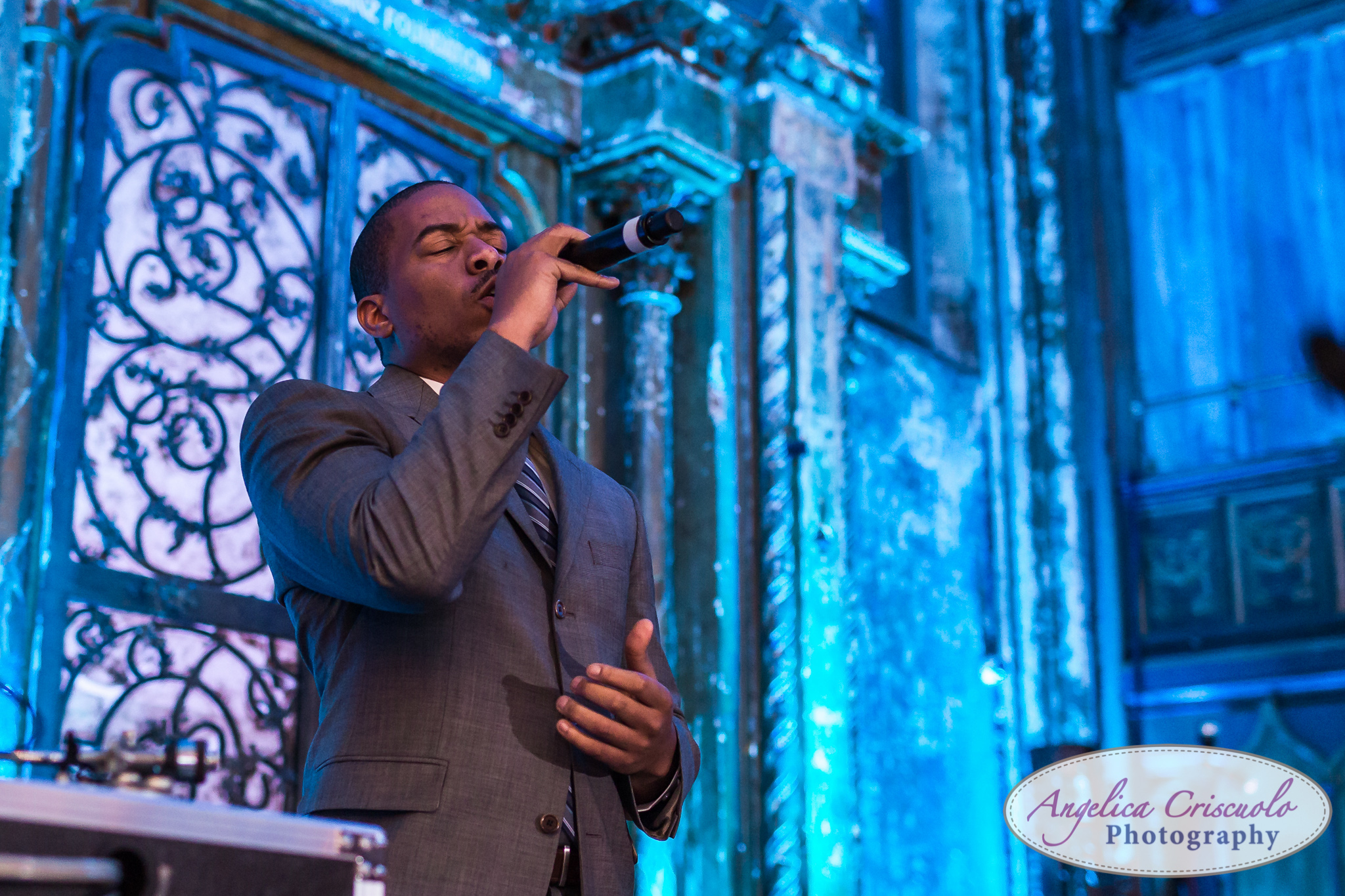 New York Wedding Photographer Angel Orensanz Foundation Ahmir sings first dance - Glory of Love