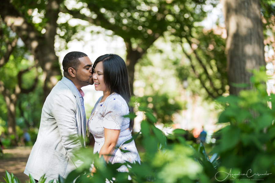 New York Washington Square engagement photo ideas