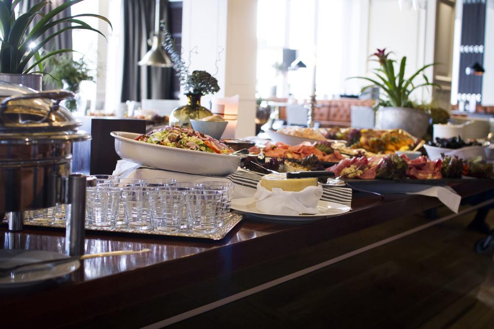 Brunch på söndagar i restaurang Captains Table