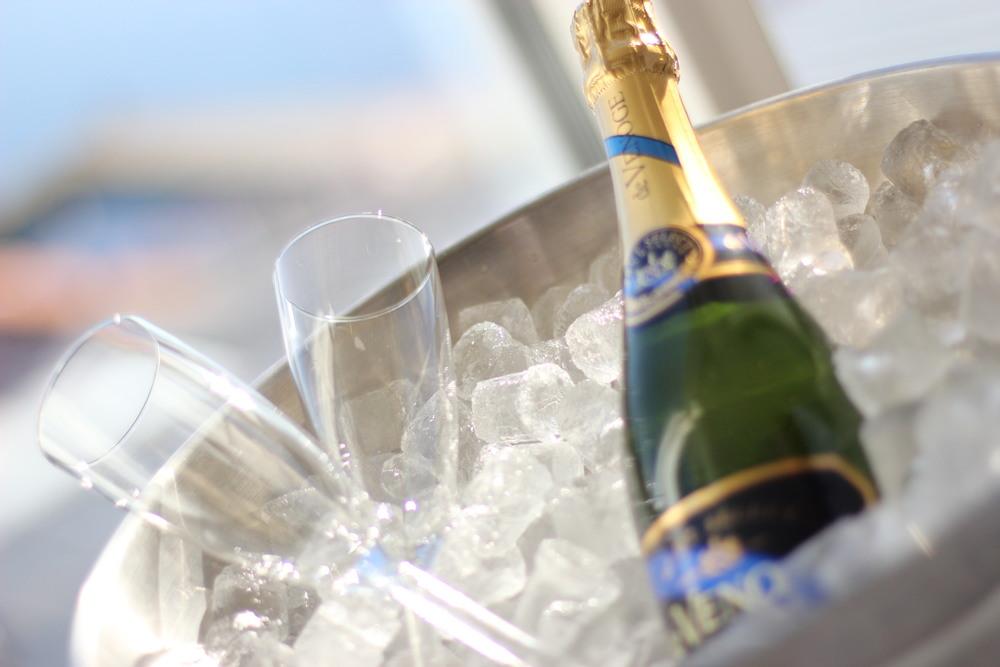 bubblande dryck för att fira alla hjärtans dag