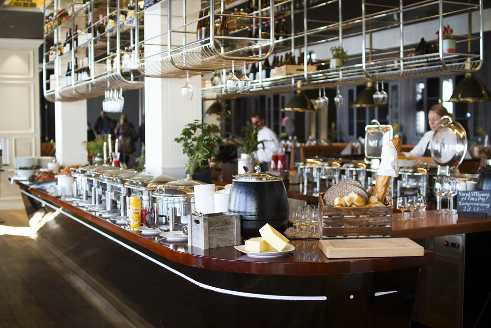 Brunch I restaurang Captains Table, Hotell Stenungsbaden