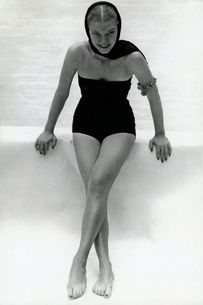 1930 -