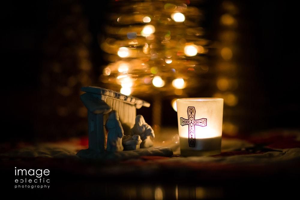 Candlelight Manger