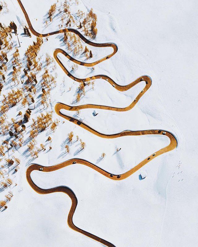 Been watching the Winter Olympics? We're dreaming of windy, snowy roads! 📷via @joonaslinkola⠀ .⠀ .⠀ .⠀ #roads #roadtrip #travel #transportation #tinyatlas #winterolympics #snow #snowday #winter #roadlesstraveled