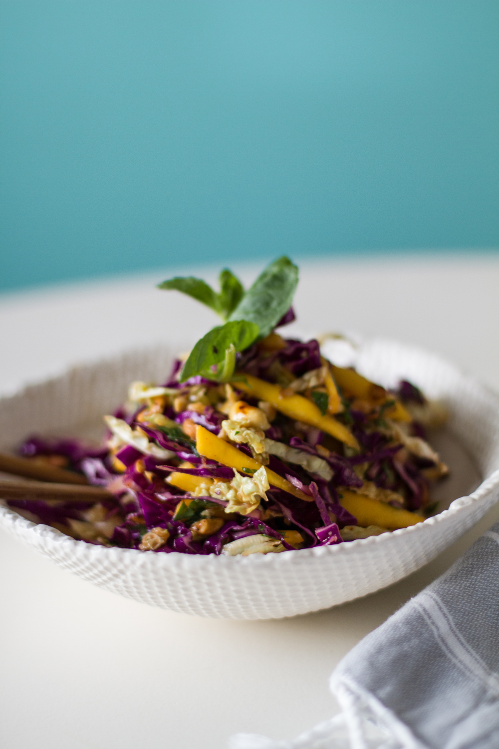 sweet winter slaw | desertfroth.com