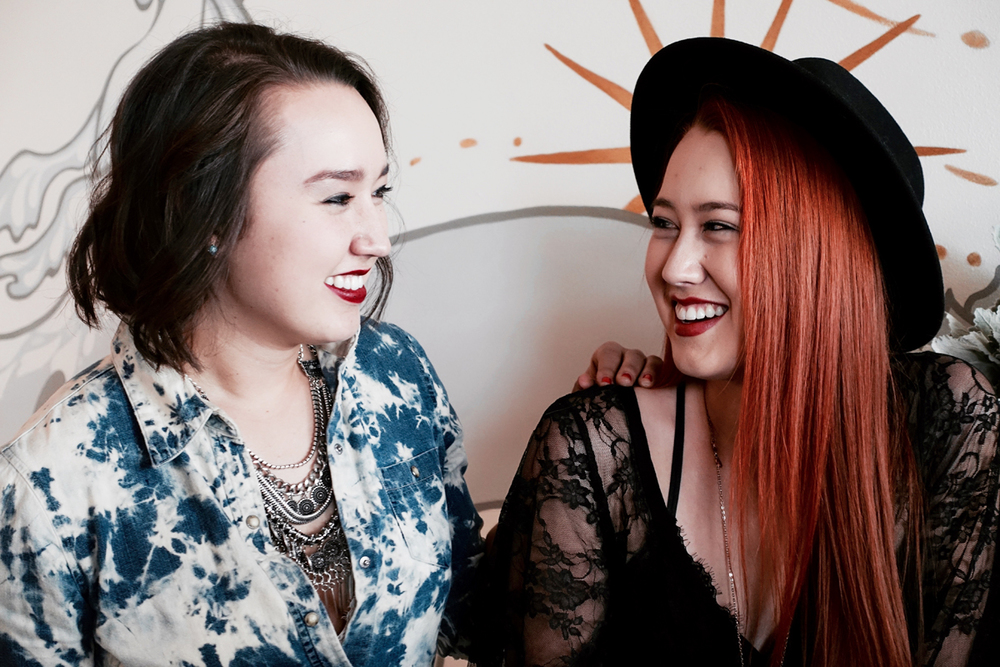 Chloe & Taylor Turner of Chasing Lovely.