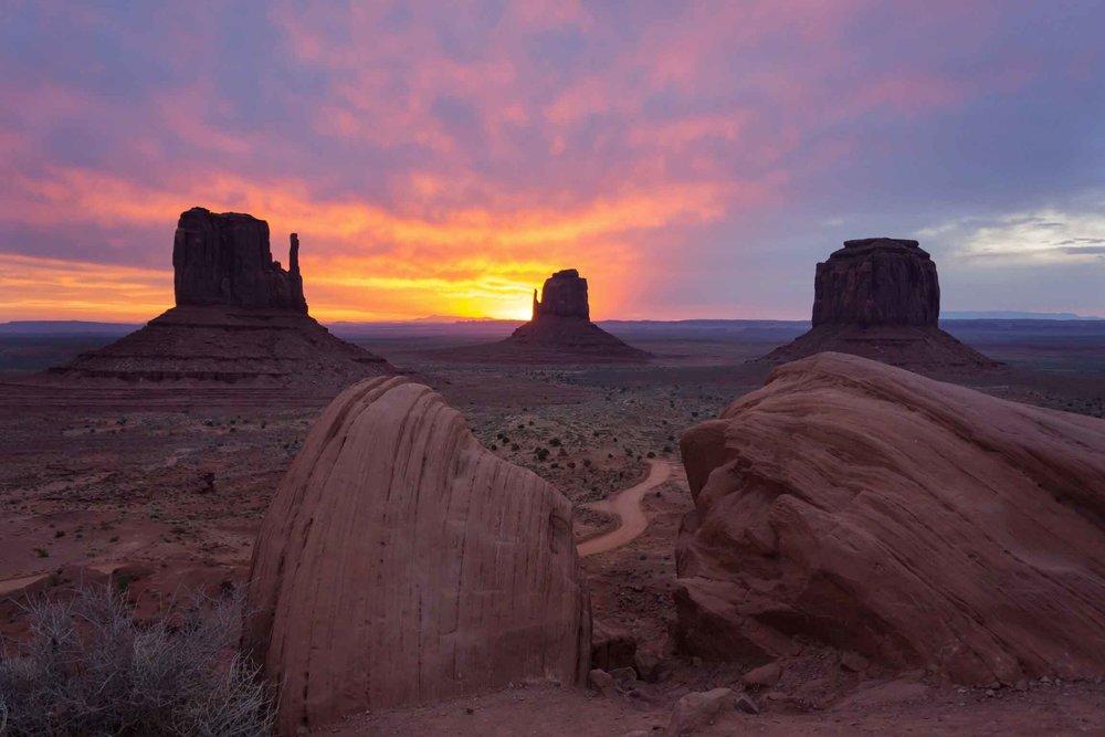 Monument_Valley_Sunrise_Hank_Blum_Photography.jpg