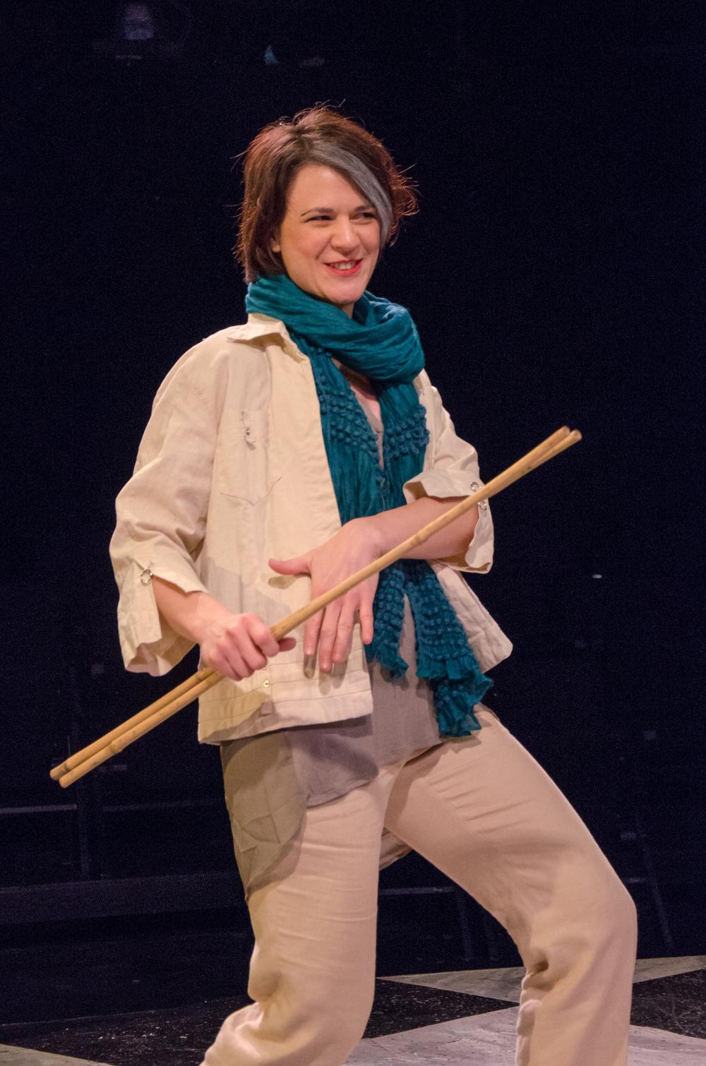 Gwen (Amy Alleman Burke)