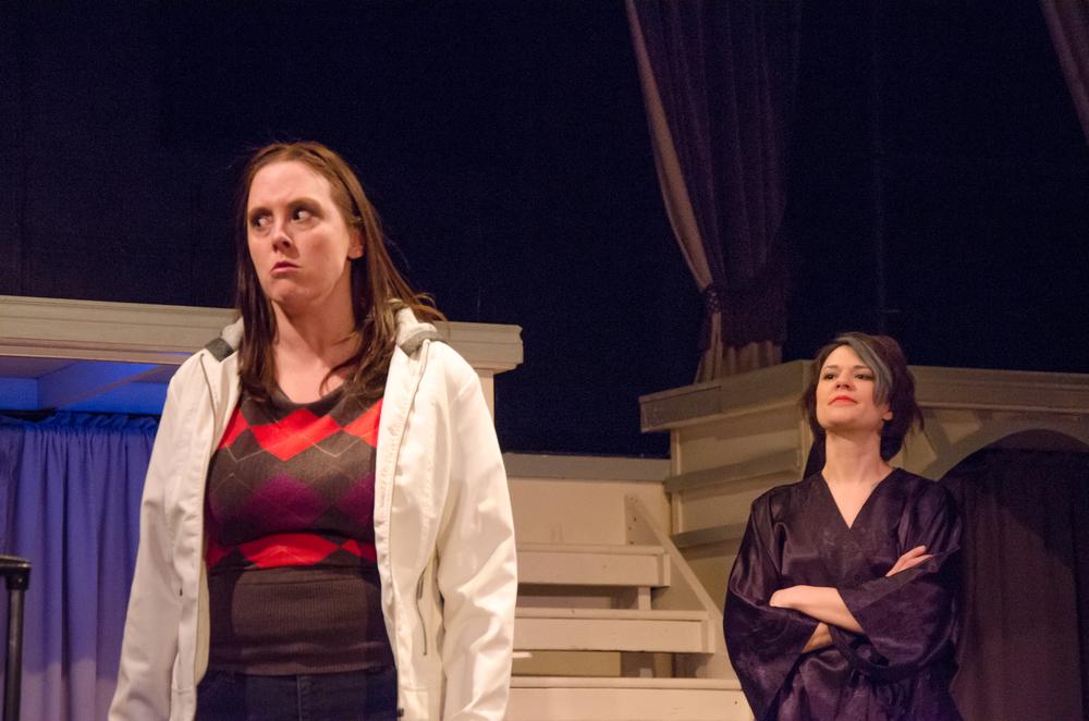Jessica (Tara Herweg-Man), Gwen (Amy Alleman Burke)