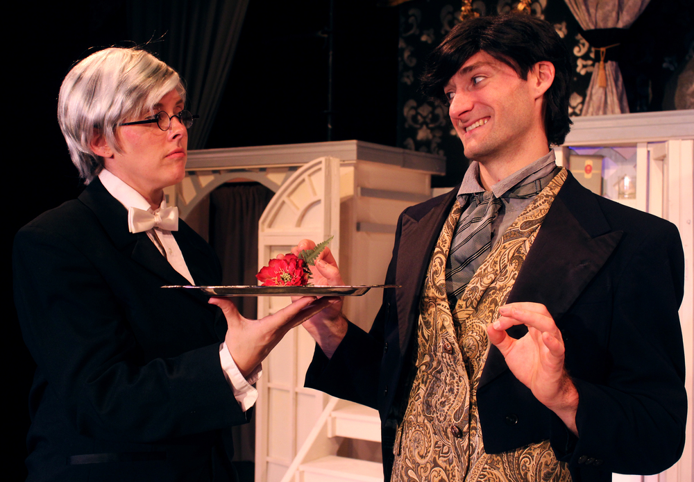 Phipps (Tara Herweg-Mann), Lord Goring (Ian Potter)