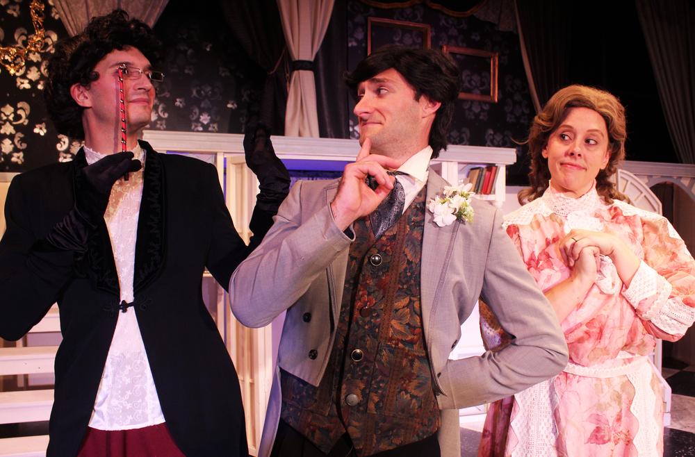 Lady Basildon (Thomas Weaver), Lord Goring (Ian Potter), Mrs. Marchmont (Tara Herweg-Mann)