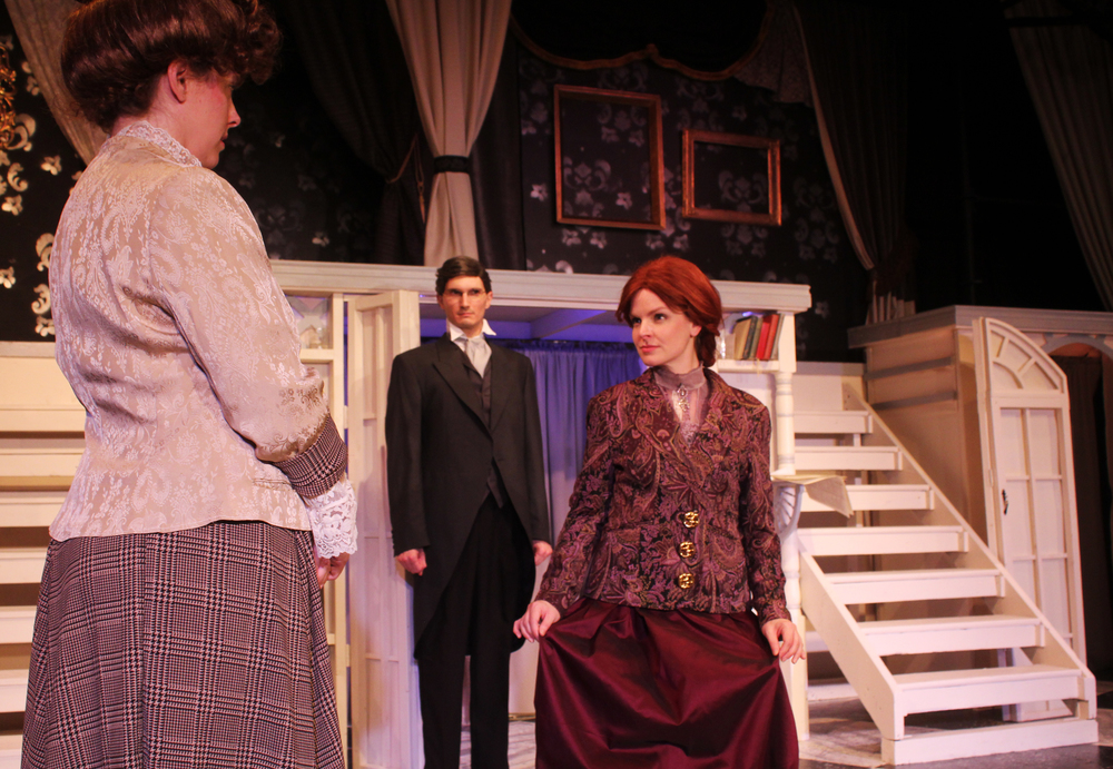 Lady Gertrude Chiltern (Tara Herweg-Mann), Robert Chiltern (Thomas Weaver), Mrs. Cheveley (Kathryn Miller)
