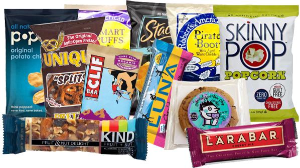 munchies noun [plural ]UK/ˈmʌn.tʃiz/US/ˈmʌn.tʃiz/  mainly us informalsmalllightthings to eat: We need a few munchies - some peanutsand crackers. the munchiesinformal feelingsof hunger: I've gotthe munchies.