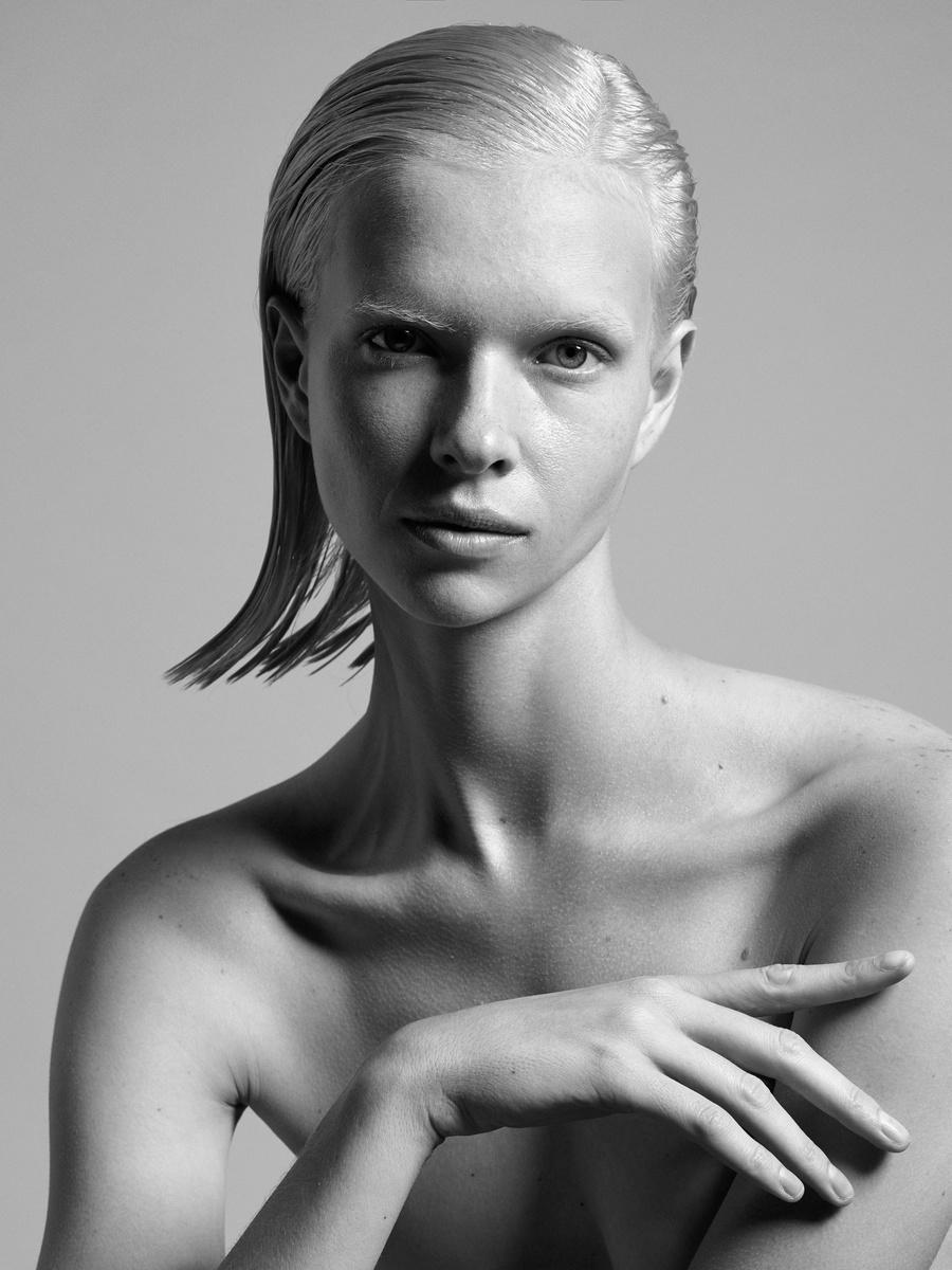 Alyona-Portrait-1a.jpg