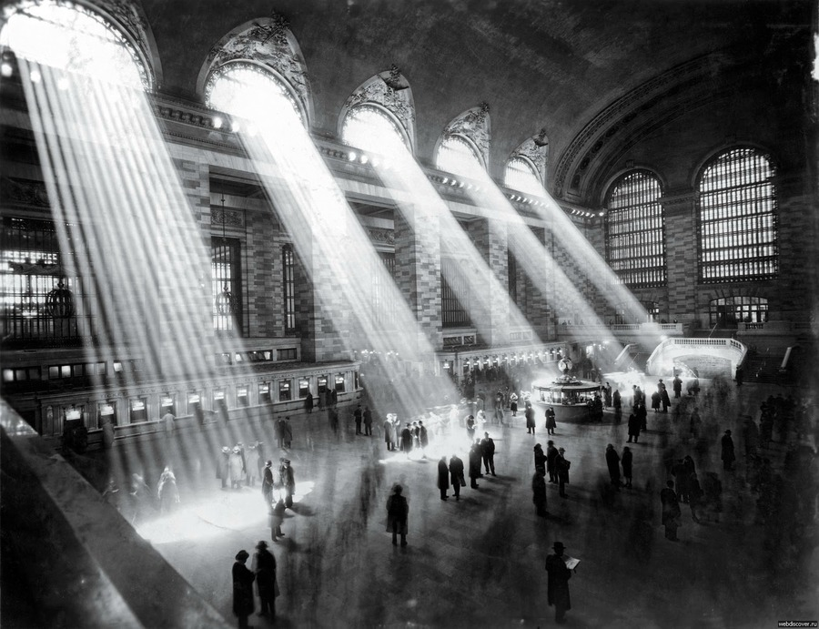 NEW YORK. I'm coming for you.   Next week.    igadrobisz :      Grand Central, NYC 1929    Its not possible anymore to take such photograph, as the buildings outside block the sun rays.