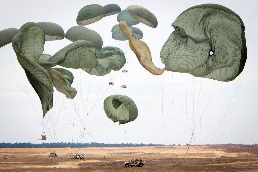 FREAKING. AWESOME.   JELLYFISH GONE ARMY.    unequal-design :     Fort Bragg