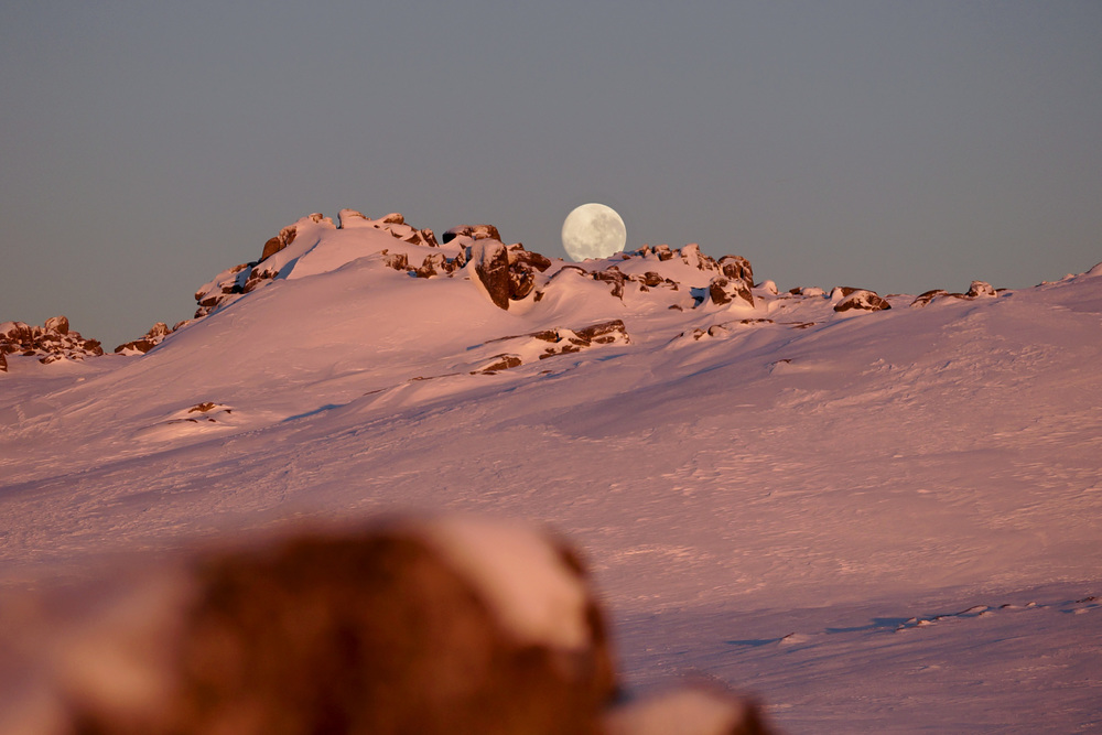 Full moon setting over Kosciuszko