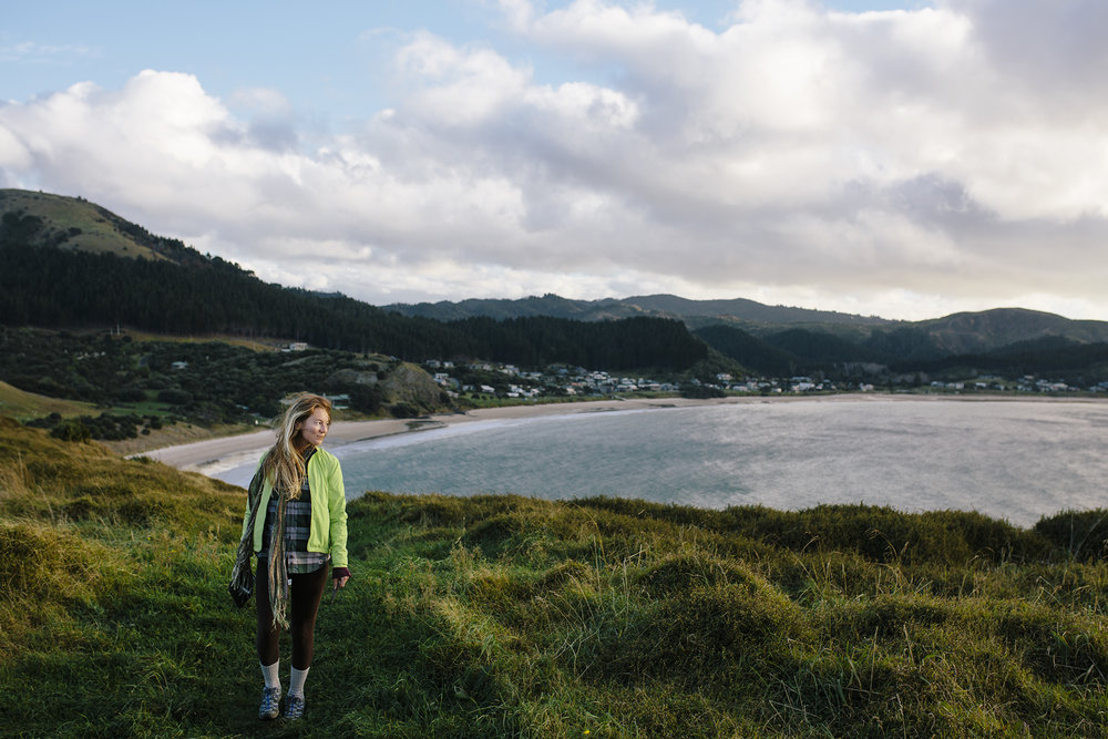Girl_Hiking_NewZealand_Coromandel