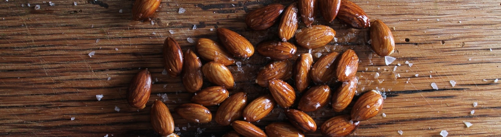 Salty Almonds | www.hungryinlove.com