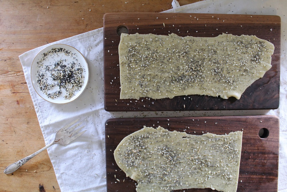 Seeded Olive Oil Crackers | www.hungryinlove.com