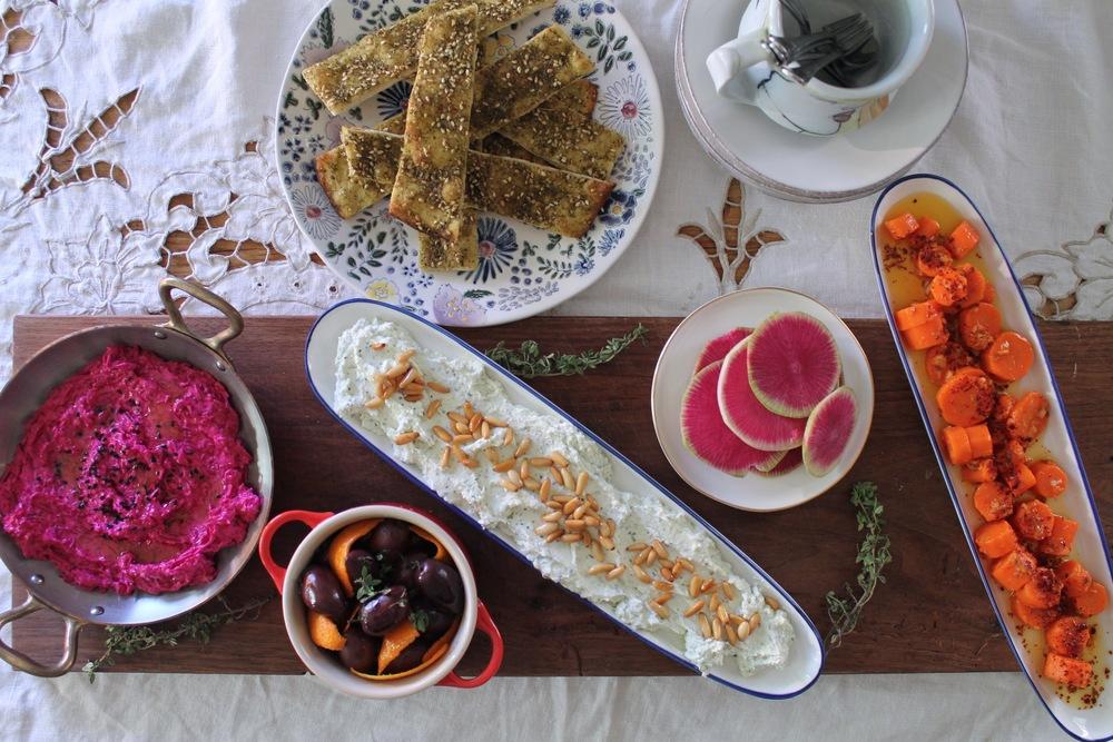 Mezze Spread | www.hungryinlove.com