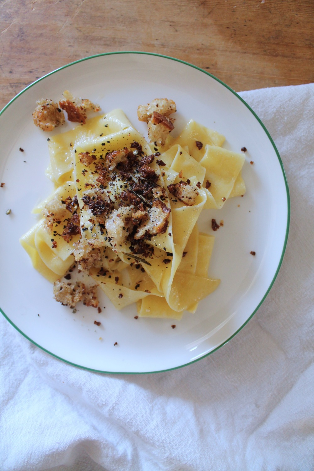 Handcut Lemon Pappardelle + Rosemary Breadcrumbs | www.hungryinlove.com