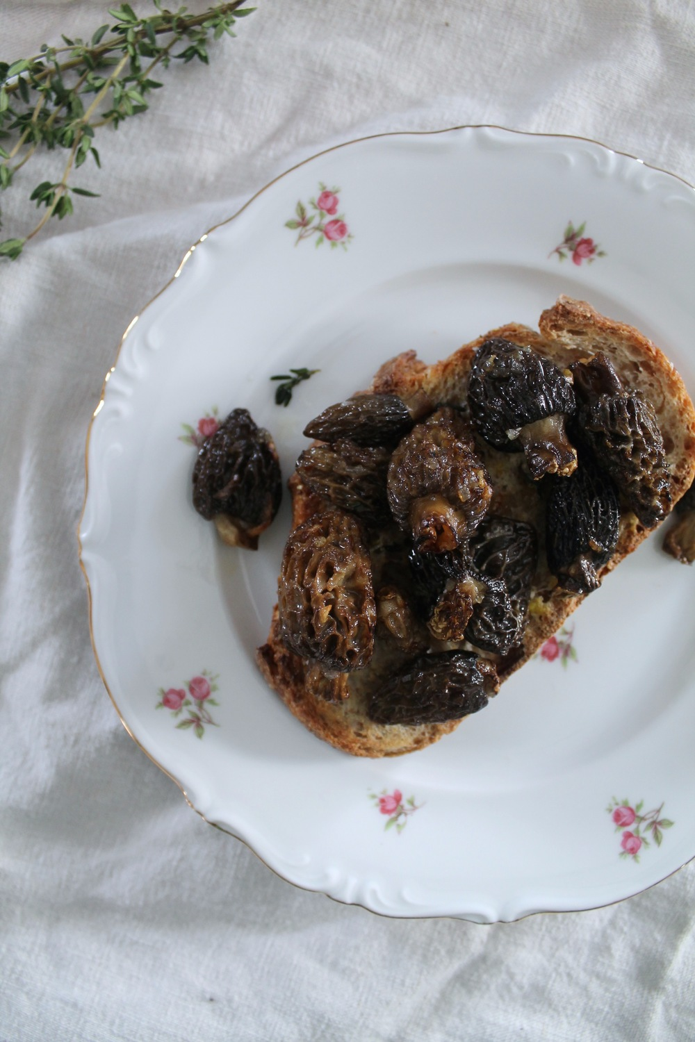 Morels on Toast | www.hungryinlove.com