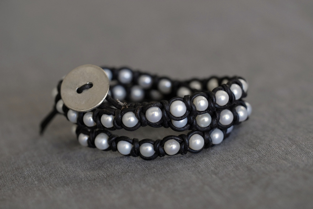 Knotted Pearl Triple Wrap Bracelet - Black