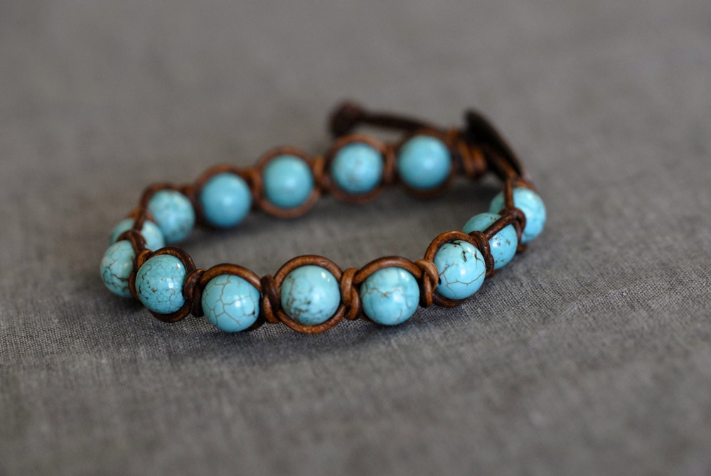 Knotted Turquoise Bracelet with Light Brown Leather