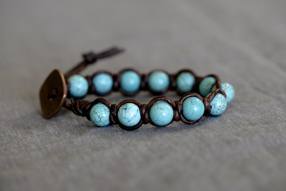 Knotted Turquoise Bracelet with Medium Brown Leather
