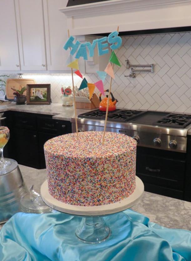 baby boy sprinkle cake