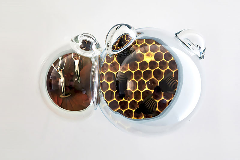Bee Bubble_1366x768.jpg